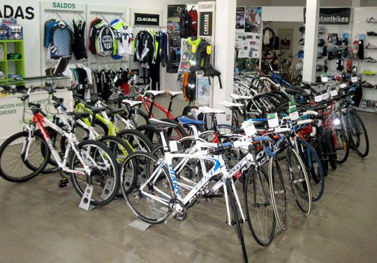 Interior de la tienda 8 Pulgadas Bike Shop